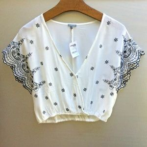 NWT Charlotte Russe Cropped Top  V-Neck Embroidery